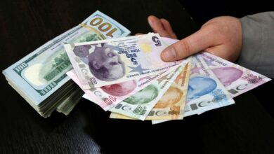 صورة قفزة كبيرة تسجلها الليرة التركية أمام الدولار واليورو الثلاثاء 03/08