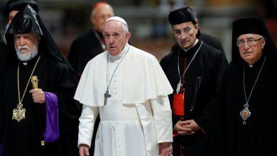 صورة مظروف بداخله ثلاث رصـ.ـاصات أرسل إلى البابا