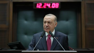 صورة الرئيس أردوغان يتحدث عن خطة حكومية لإعادة اللاجئين السوريين إلى بلادهم باستثناء من يحقق شروط البقاء في تركيا